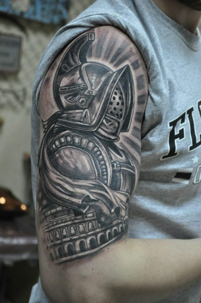 татуировка рыцарь от мастера Александра - ТатуКлубБай г. Минск.
