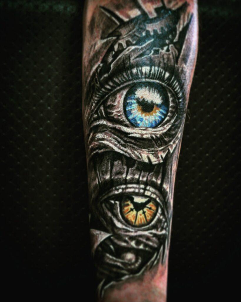 татуировка глаза от мастера Александра - ТатуКлубБай г. Минск.