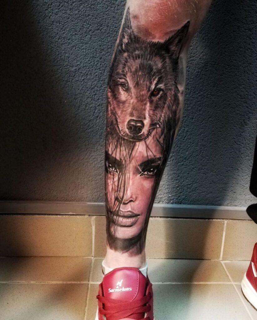 татуировка на голени (лицо и волк) от мастера Александра - ТатуКлубБай г. Минск.